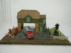 Model Railway Diorama of Superquick Farm Barn 00 Gauge