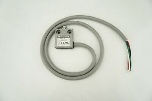 New Genuine Honeywell 914CE1-3A Limit Switch Ships FREE