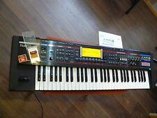 Roland Juno G v2.0 sintetizzatore/sampler buono stato incl. scheda di memoria 1gb