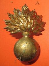 Insigne, attribut pour un casque ADRIAN, grenade en laiton.Lot 5. Petit prix.