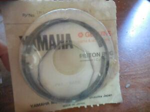 NOS Yamaha OEM Piston Rings STD 1977-1978 DT250 DT400 1M1-11610-00