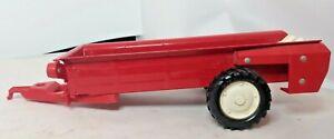 """Vintage  ERTL #492-7950 Manure Spreader Wagon  Preowned 10"""" Long + Tongue"""