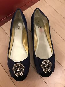 Guess By Marciano Navy Velvet Flats Shoes Broach Toe Embellishment Holiday sz 9