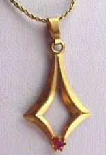 Ancien pendentif collier bijou plaqué or croix solitaire cristal rubis 2044
