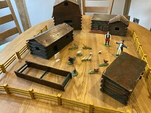 TRIANG HORNBY RARE EARLY POST WAR WOODEN FARM RANCH BARNS BUILDINGS SET