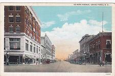 Grand Forks , North Dakota, 10-30ss ; De Mers Avenue,
