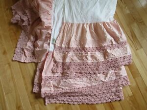 """RARE LL BEAN HEIRLOOM CROCHETED LACE FROSTY PINK KING SIZE BED SKIRT 15"""" DROP"""
