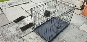 Lighweight Dog Puppy cage crate for home, car / holiday use. Removable tray base