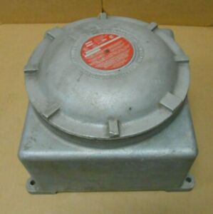 NEW CROUSE HINDS GUB03 SA OUTLET JUNCTION BOX ALUMINUM FOR HAZARDOUS LOCATIONS