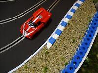 RAS Reifenstapel für Autorennbahnen 1:32 - 1:24 BLAU-WEISS - 25 cm - Tyre Wall