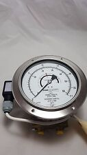 "WIKA 712.15.160 851.3 Differential Pressure Indicator 6"" Oxygen Clean 0-67"" WC"