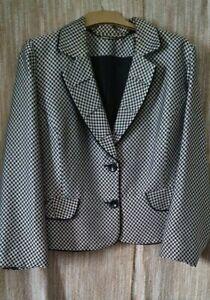 Ladies Jacket Size 18 By Roman Originals