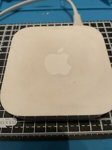 1 x Apple A1392 Airport Express 2nd Generation Wireless Access Point