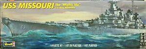 "REVELL 1:535 KIT NAVE U.S. NAVY BATTLESHIP USS MISSOURI THE ""MIGHTY MO"" 85-0301"
