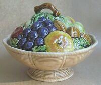 SARREGUEMINES MAJOLICA ROUND LIDDED DISH - BASKET OF FRUIT & NUTS (Ref5840)