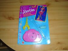 VINTAGE BARBIE Play e Display Stand.