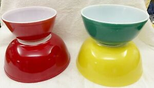 4 Vintage Pyrex Bowls, Turquoise, Red & Yellow, 402, 403 & 404's