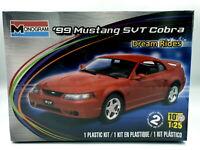 Revell Monogramm 1:25 1999 Mustang SVT Cobra 85-4014 Plastik Bausatz