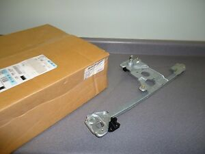 New NOS OEM GM Window Regulator 15113352 2004-2012 Chevy Colorado GMC Canyon