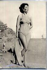 PIN UP Girl Sexy Bikini Beach PC Circa 1960s Real Photo Ragazza in Bikini 38