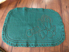 Collectible Beautiful Heritage Lace Doily Christmas Green Candle Motif Nice