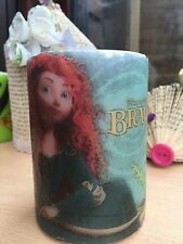 Disney's BRAVE Featuring MERIDA HAND DECORATED PILLAR CANDLE 10x6,5cm