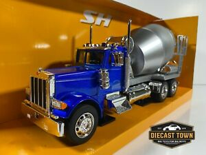 1:32 Welly Peterbilt 379 Cement Mixer Semi Truck Blue and Gray
