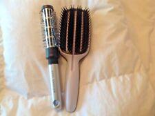 Tangle teezer full size paddle smoothing brush plus Vidal Sassoon round brush