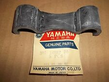 YAMAHA CS5 LS2 RD200 RD125 FUEL TANK REAR RUBBER LOCATING DAMPER 307-24182-00-00