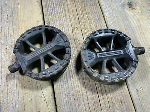 OLD SCHOOL BMX MX PEDALS WELLGO VP-800 PEDALS 9/16 FREESTYLE ROUND TAIWAN USED