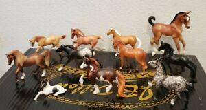 BREYER HORSE LOT OF 11