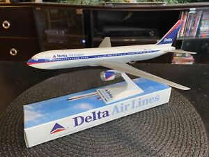 767-300 Delta Air Lines Model New In Box RARE!