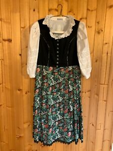 Dirndl with blouse and apron