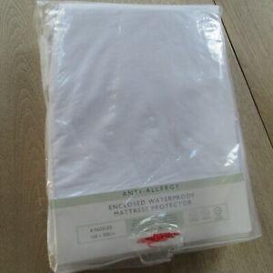 John Lewis Anti Allergy Enclosed Waterproof Mattress Protector - King Size .