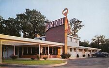 Alexandria Virginia~Key Motel~Big Key Sign~1950s Cars~Postcard