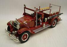 1928 Studebaker Fire Truck Ft Wayne 1:32 Die-Cast Signature Models 32347