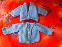 2 vetements anciens tricotés poupon poupée ,colin,gégé,bella raynal  bleus ,