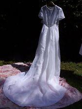 Vestido de Boda de Santa Mónica-Blanco Talla 8 Con Cuentas Dobladillo, Velo Y Guantes