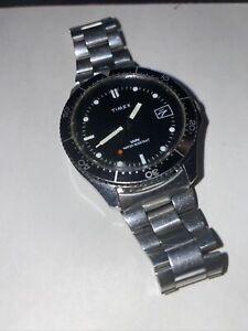 1980's 41mm Timex Men's Divers Style Mechanical Windup Watch w/wave Black Bezel