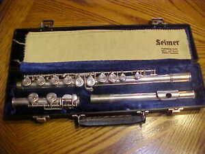 Beautiful Vintage ~ARTLEY NOGALIS ARIZ.  240524 ~ Silver Flute in Case