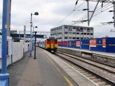 PHOTO  2009 PLATFORM 12 STRATFORD RAILWAY STATION EAST LONDON ON THE NORTH SIDE