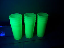 "4 lot Glow In The Dark Plastic Drinking Cups STURDY 6"" 20 Oz BLACKLIGHT UV PARTY"