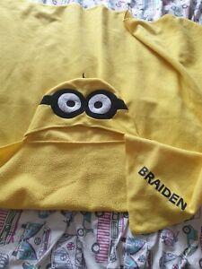 Minion Hooded Blanket Braiden
