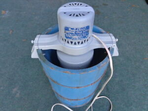 VINTAGE MAID OF HONOR  ELECTRIC  4 qt. ICE CREAM FREEZER BY SEARS, ROEBUCK & CO.