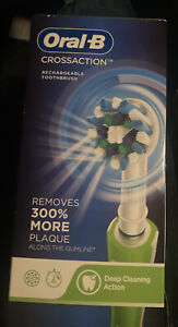 Oral-B Pro CrossAction Rechargeable Electric Toothbrush - Green