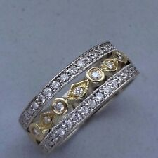 18K WHITE & YELLOW GOLD DROPLET & PAVE DIAMOND BAND RING - .25 TCW - SIZE 5.75