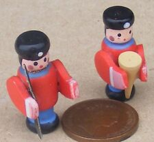 1:12 Scale 2 Wooden Toy Soldiers Dolls House Miniature Nursery Accessory