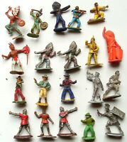1940-1960, LOT de 20 SOLDATS ALUMINIUM - MÉTAL - PLASTIQUES INDIENS COW BOYS ETC