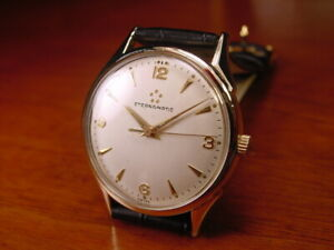 Vintage Men's 17-Jewel Eternamatic Wristwatch