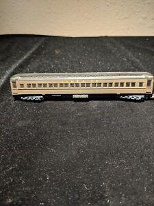 Lima N Scale Santa Fe 1835 Passenger Car  Lot CS 9109